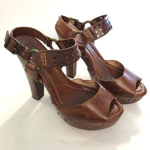 Frye Fran Harness Leather and Wood Buckle Sandals